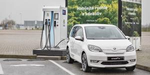 skoda-chakratec-ladestation-charging-station-tschechien-prag-czech-republik-prague-2019-01-min