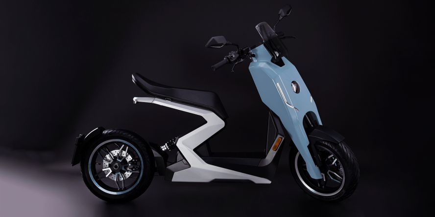 zapp-i300-e-roller-electric-scooter-2019-04-min