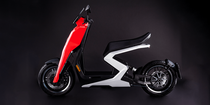 zapp-i300-e-roller-electric-scooter-2019-06-min