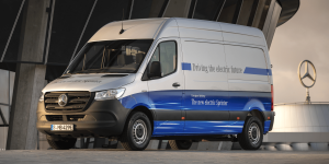 mercedes-benz-esprinter-2019-0001-min