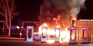 tesla-supercharger-brand-fire-2019-usa-min